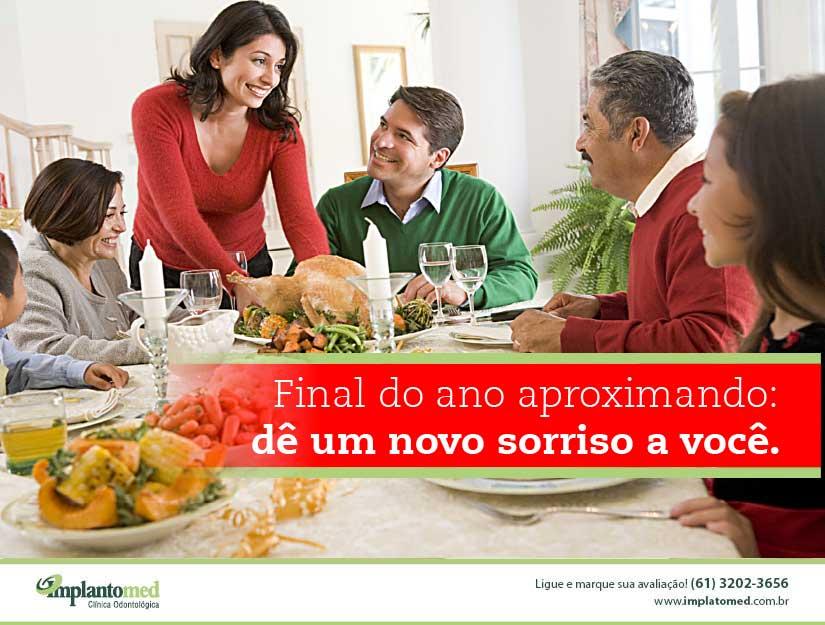 Já pensou em realizar um implante dentário e ter um Natal e Ano Novo inesquecível? Confira o tratamento em Brasília da Implantomed.