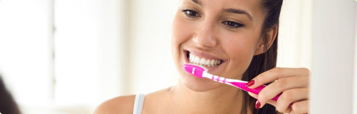 Escove os dentes