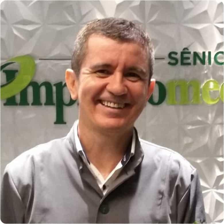 Dr. Moisés dos Santos Sales Implantomed Brasilia